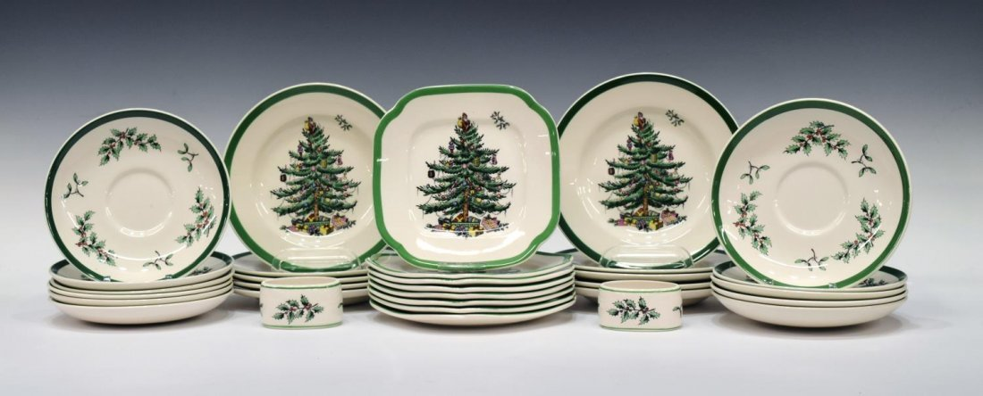 (89) EXTENSIVE SPODE CHRISTMAS TREE DINNER SERVICE - 3