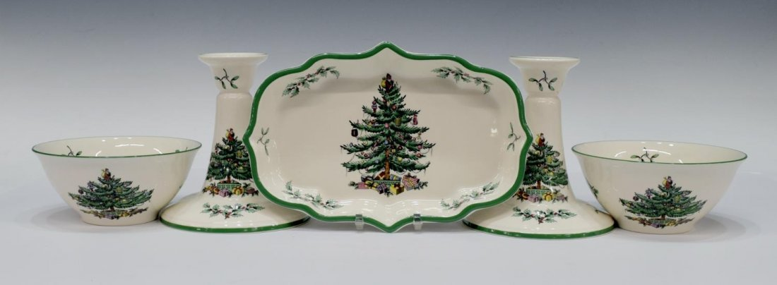 (89) EXTENSIVE SPODE CHRISTMAS TREE DINNER SERVICE - 4
