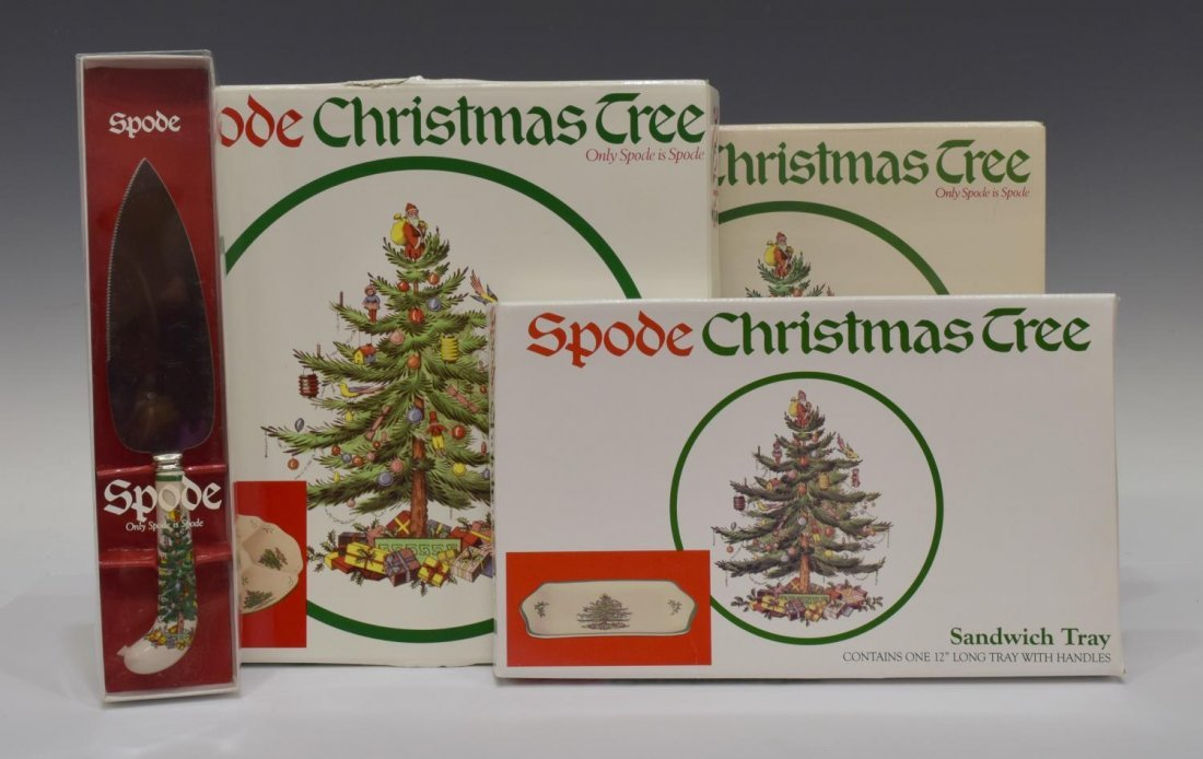 (89) EXTENSIVE SPODE CHRISTMAS TREE DINNER SERVICE - 8