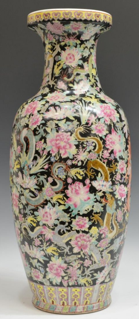 CHINESE FAMILLE NOIR DRAGON AND PEONY MOTIF VASE - 2