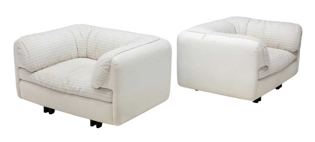(2)ITALIAN DESIGN ARFLEX UPHOLSTERED SQUARE CHAIRS
