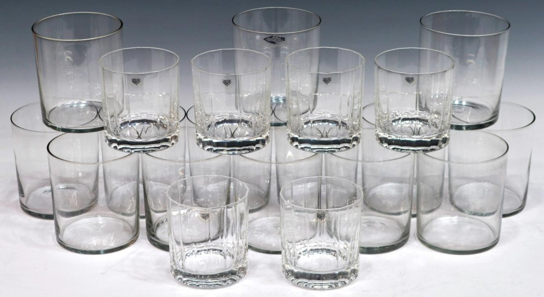 (18) COLLECTION OF FINNISH GLASSWARE, MID-CENTURY