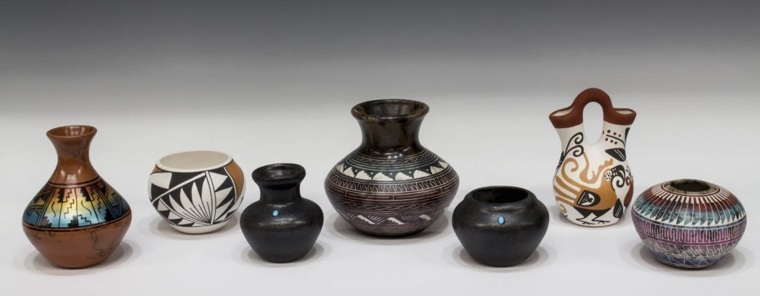 (7) AMERICAN INDIAN POTTERY, NAVAJO, ACOMA