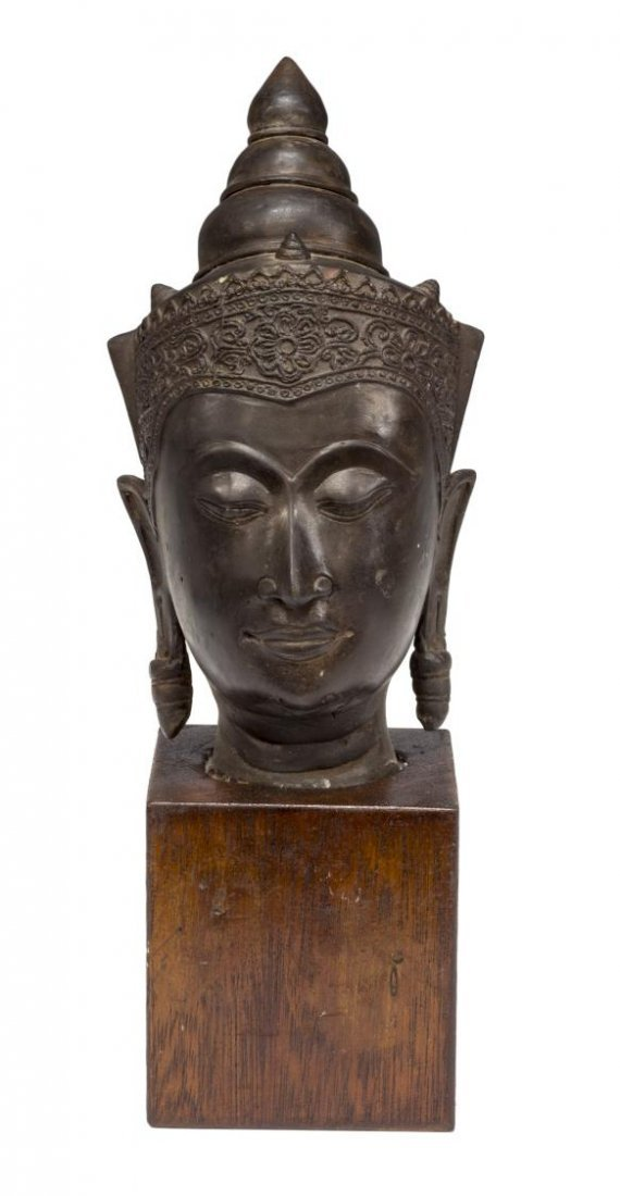 ASIAN BRONZE BUDDHA HEAD ON WOODEN PEDESTAL - 2
