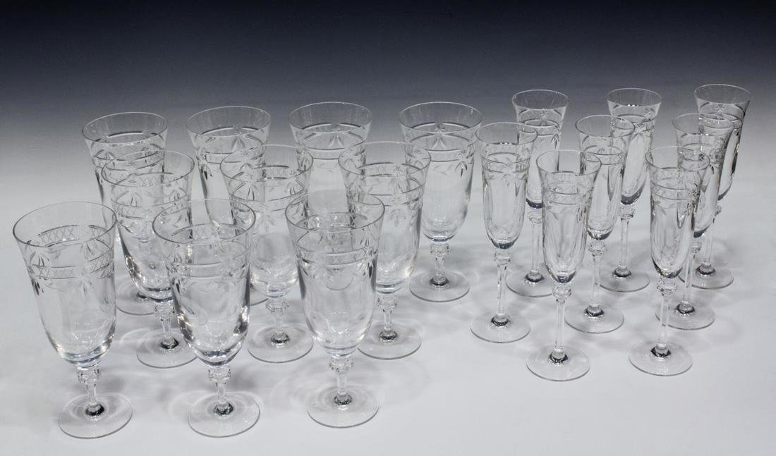 (18) ROYAL DOULTON WELLESLEY-CLEAR STEMWARE GROUP