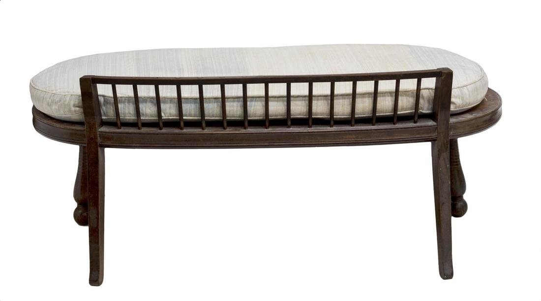 SHORT SPINDLE BACK OVAL FORM BENCH SETEE, 19TH C - 3