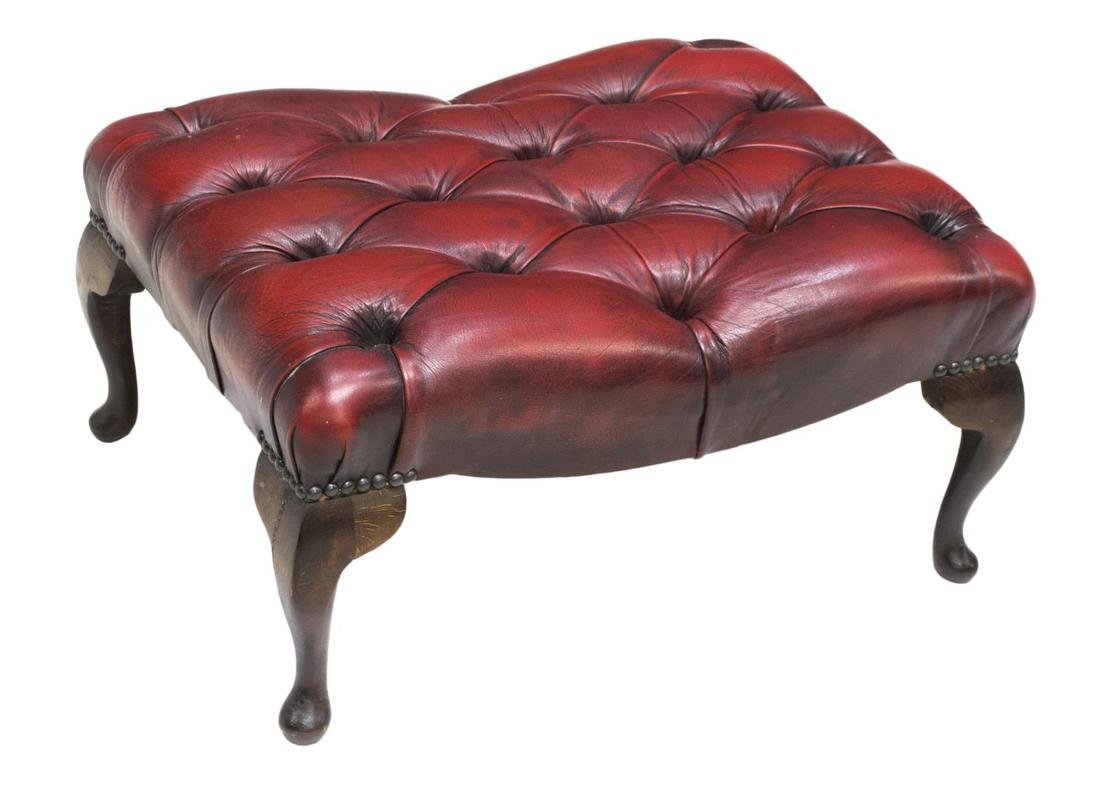 CHESTERFIELD BUTTONED LEATHER FOOT STOOL