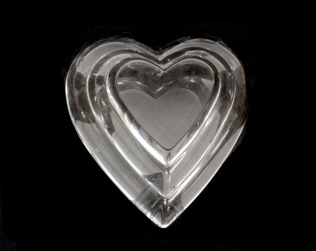 (6) STEUBEN & LALIQUE ART CRYSTAL HEART PAPERWEIGHTS - 5