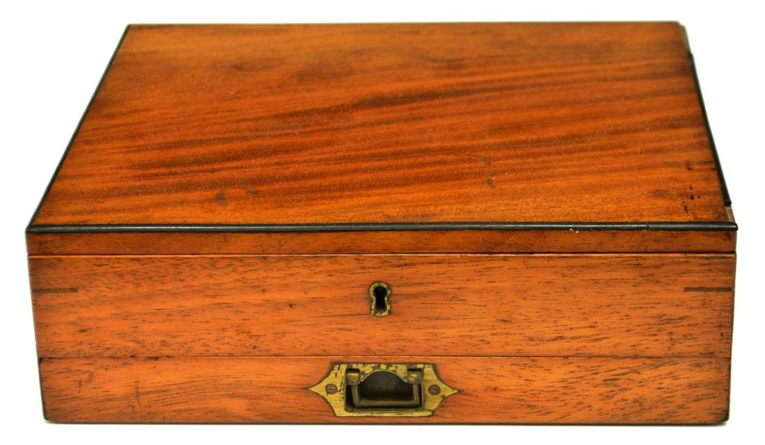 REEVES & SONS LONDON MAHOGANY ARTISTS BOX - 6