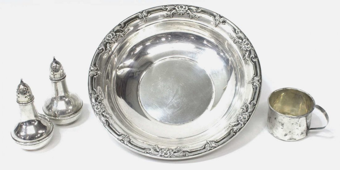 (4) STERLING SILVER CENTER BOWL, SHAKERS & CUP