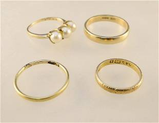 4 Gold Band Rings: 18K / 14K / 10K & Unmarked, 1 with 3