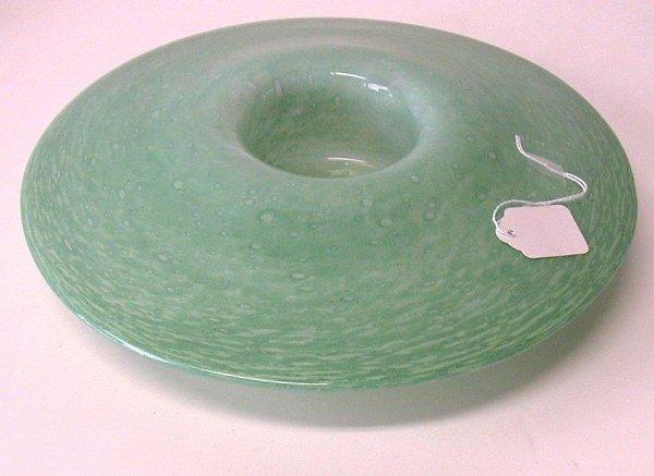 412: Green art glass bowl.