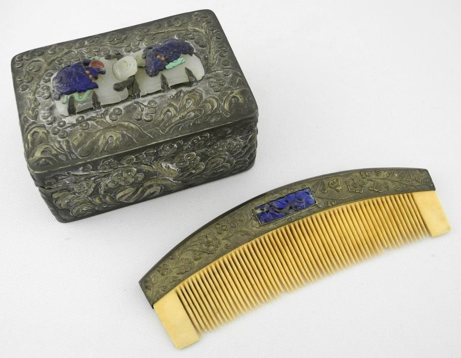 Chinese semi-precious stone mounted hairbrush and comb.