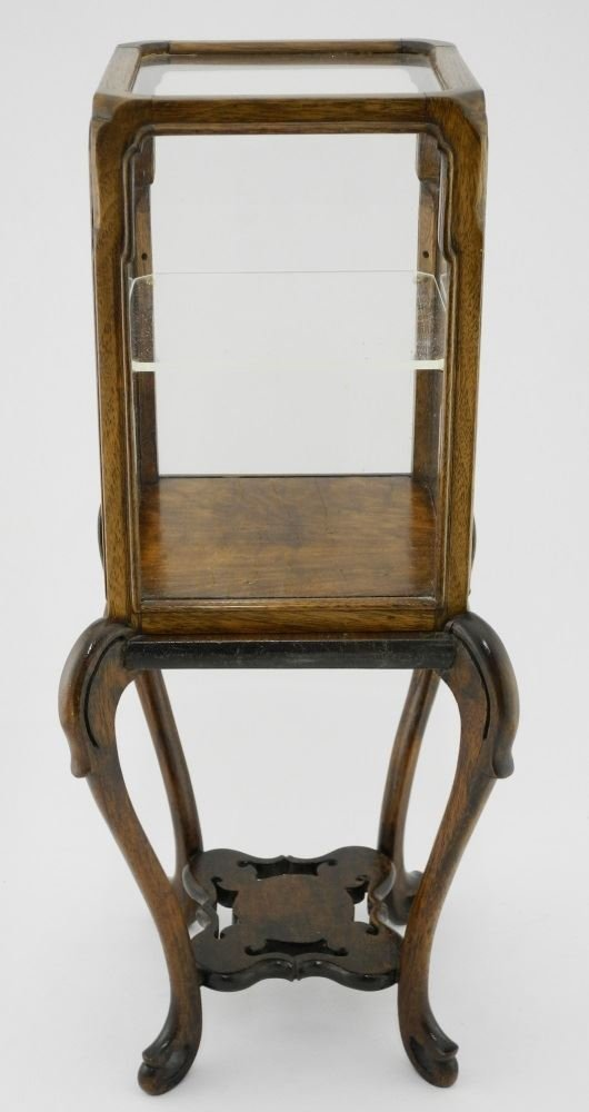 Small Chinese Hardwood Display Cabinet. - 3