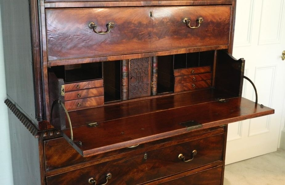 Large Mahogany Chest on Chest, on heavy claw and ball - 4