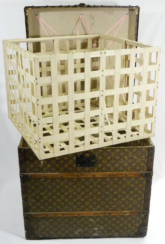 Vintage Louis Vuitton canvas logo steamer trunk, - 7
