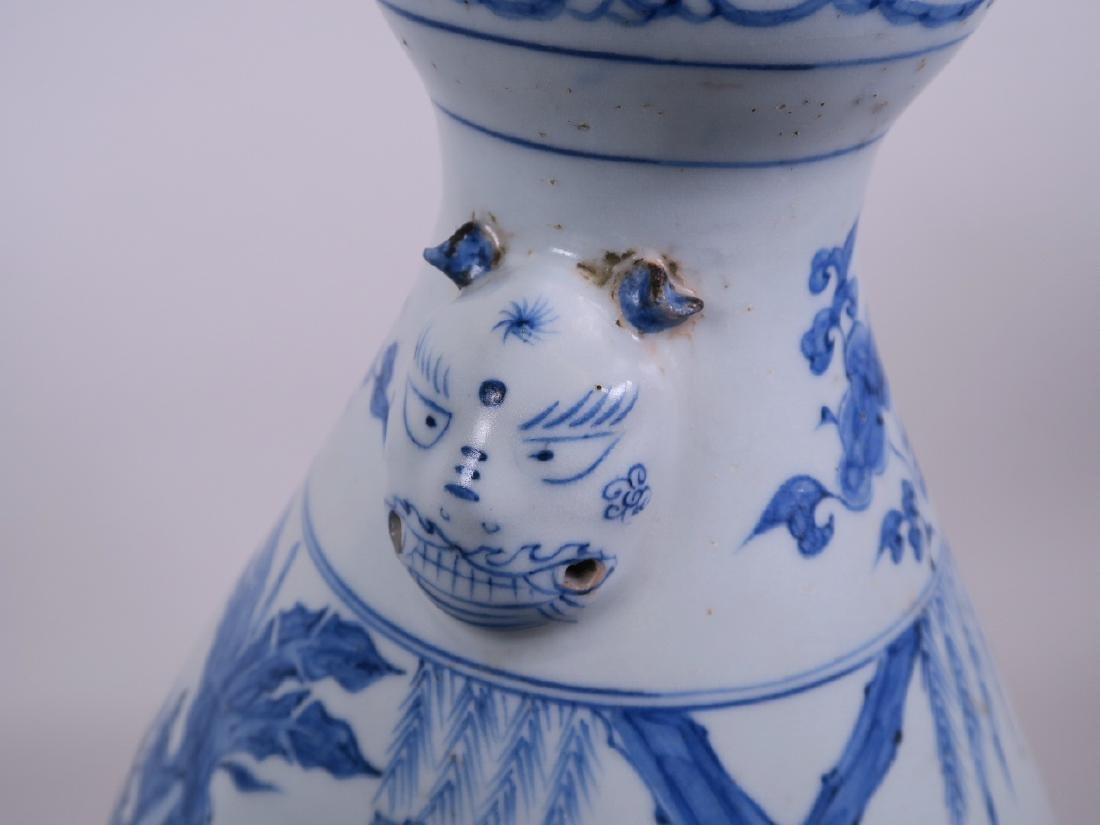 A large Chinese Ming style blue and white pottery vase - 3
