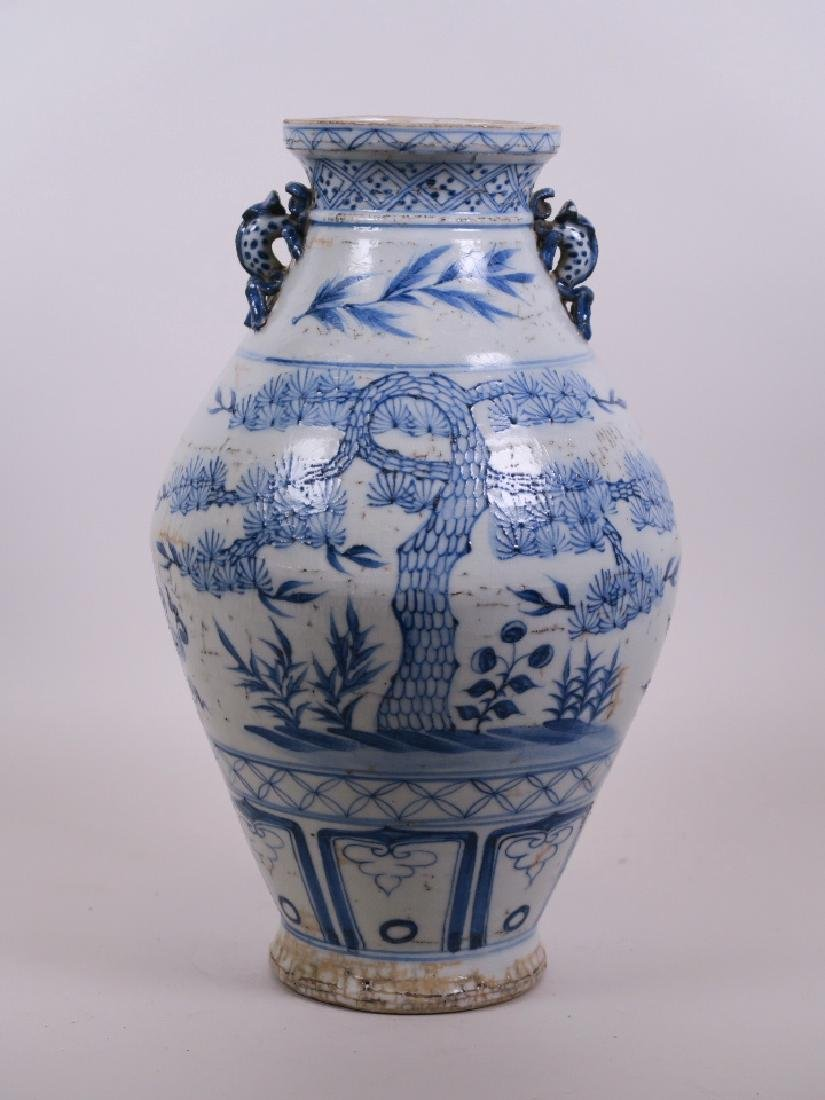 A Chinese Ming style blue and white pottery vase with - 2