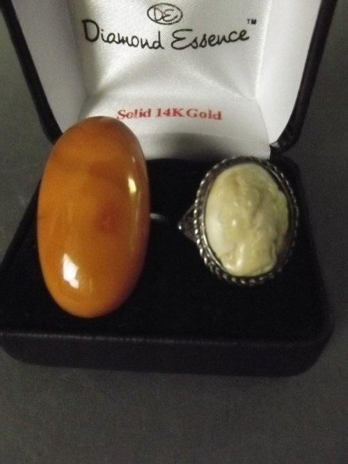 Two dress rings set with semi precious stones, 1½'' dia