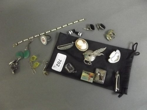 A quantity of jewellery to include enamels, etc