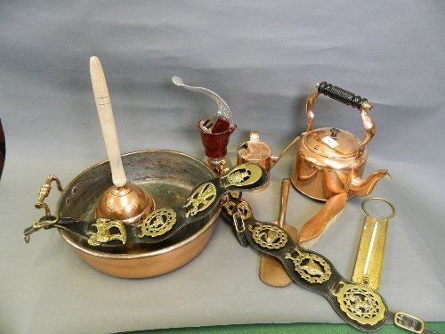 A quantity of brass and copper to include a jam pan,