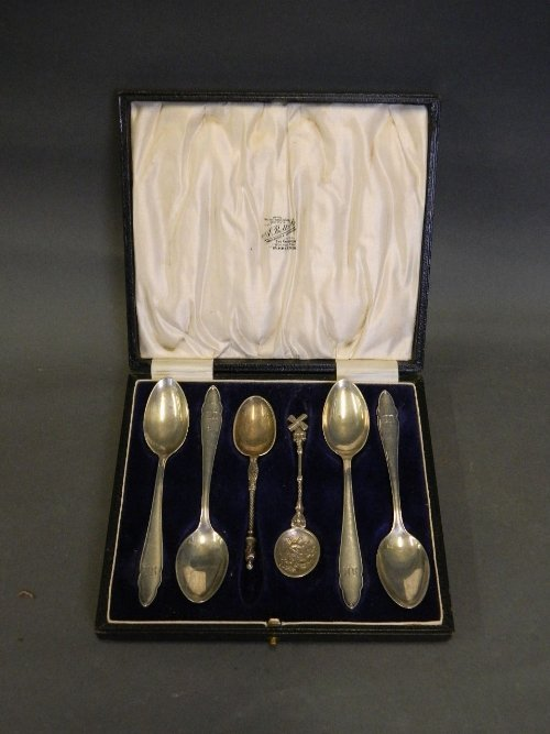 A cased set of 6 Continental silver spoons to include a