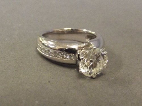 A good quality 2.03ct brilliantly cut solitaire diamond