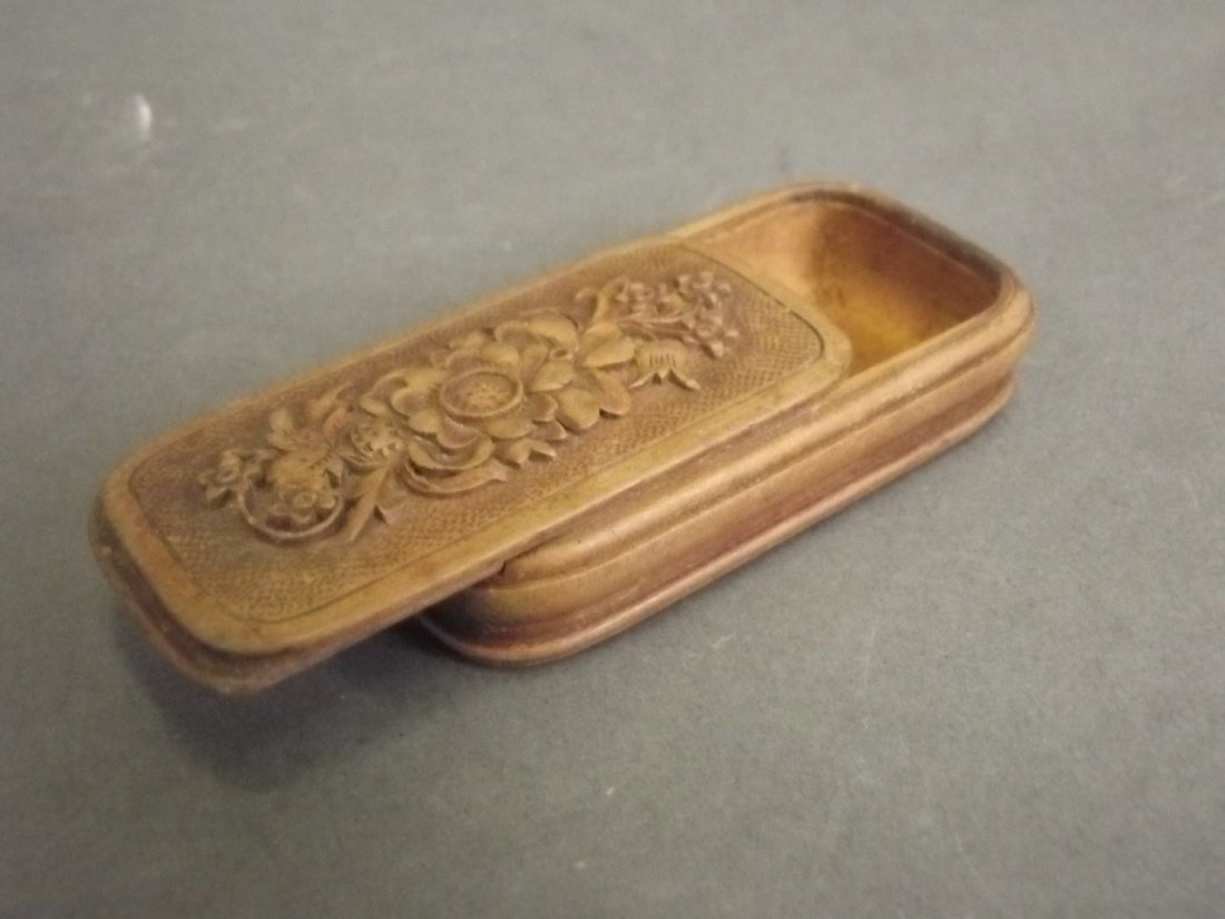 A small Victorian wooden pill box with carved floral - 2