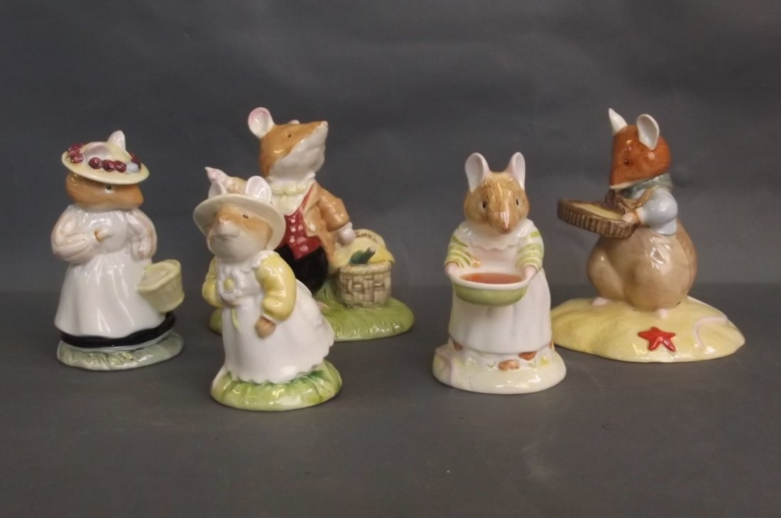A quantity of Royal Doulton Brambly Hedge figures to