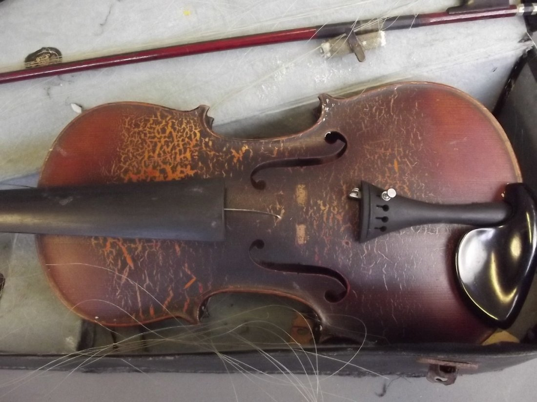 An early violin and bow with two piece back, in a case - 2