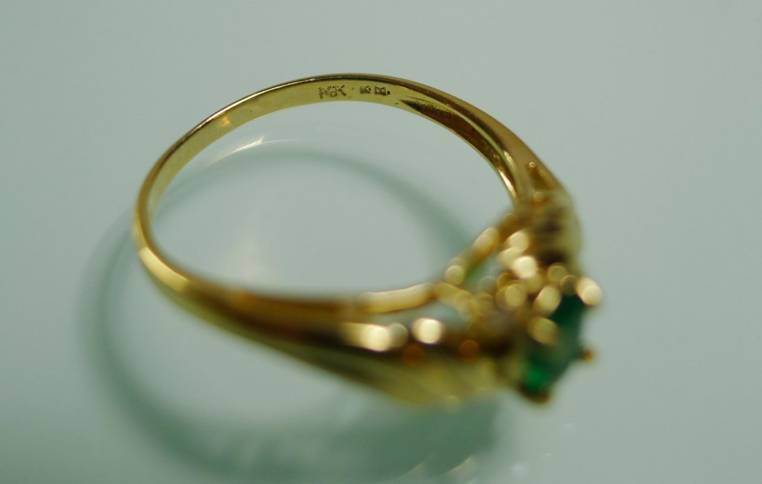 18K YELLOW GOLD NATURAL EMERALD RING - 3