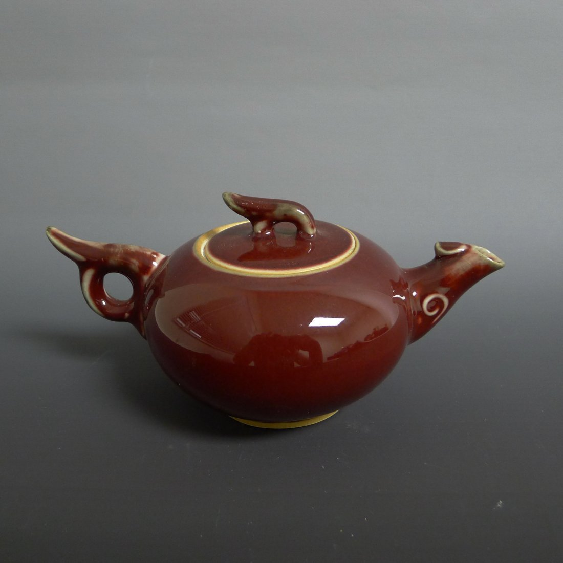 CLASSIC REACTIVE RED GLAZED TEAPOT