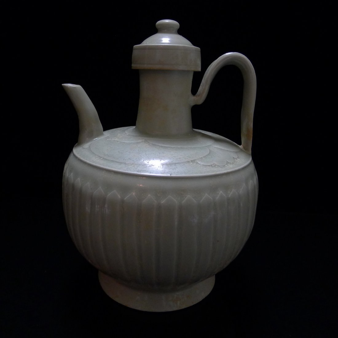 FIVE DYNASTY DING YAO CARVING EWER - 3