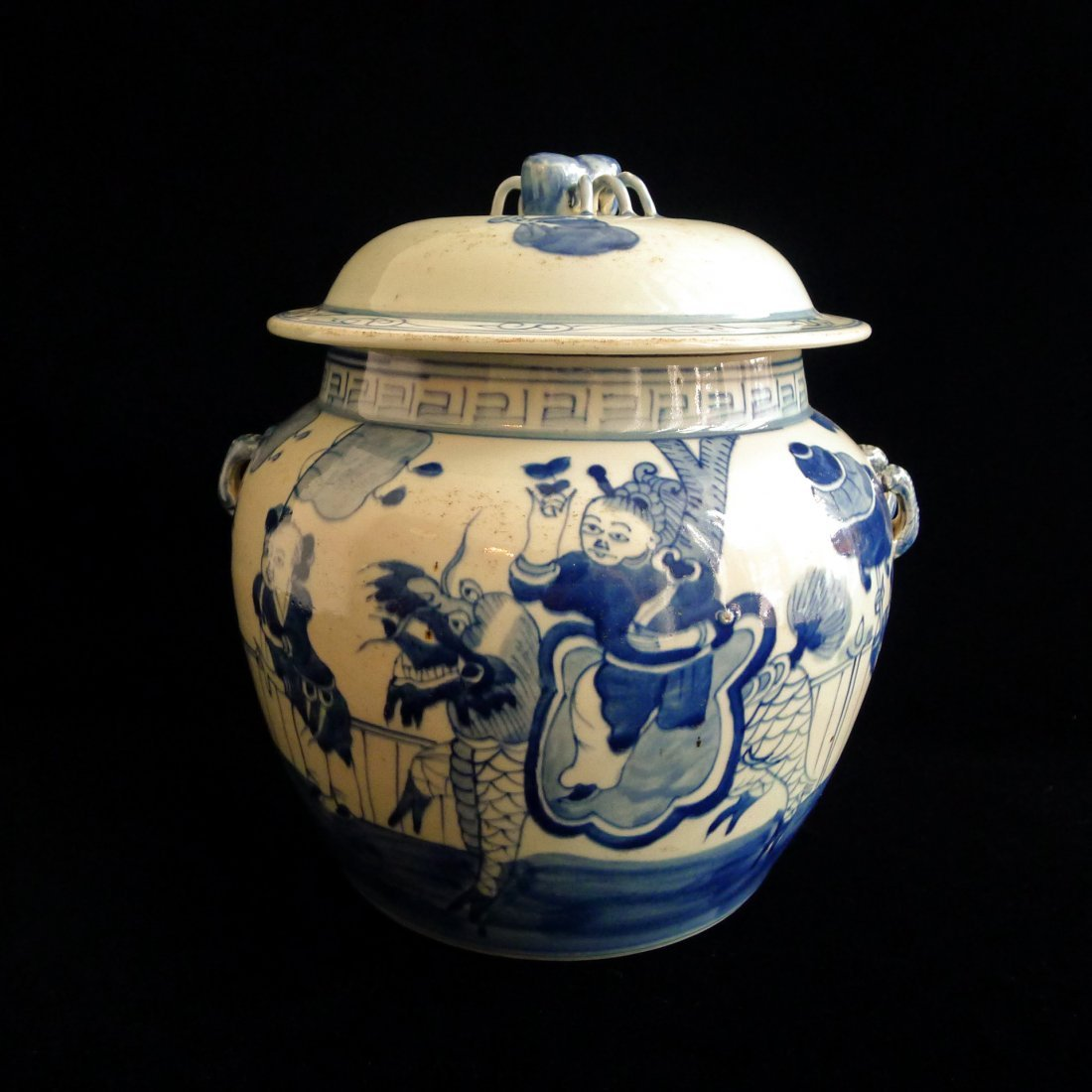 CHINESE WHITE AND BLUE JAR WITH COVER