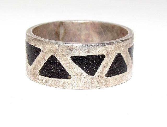 Vintage Navajo Sterling Jet Inlay Band
