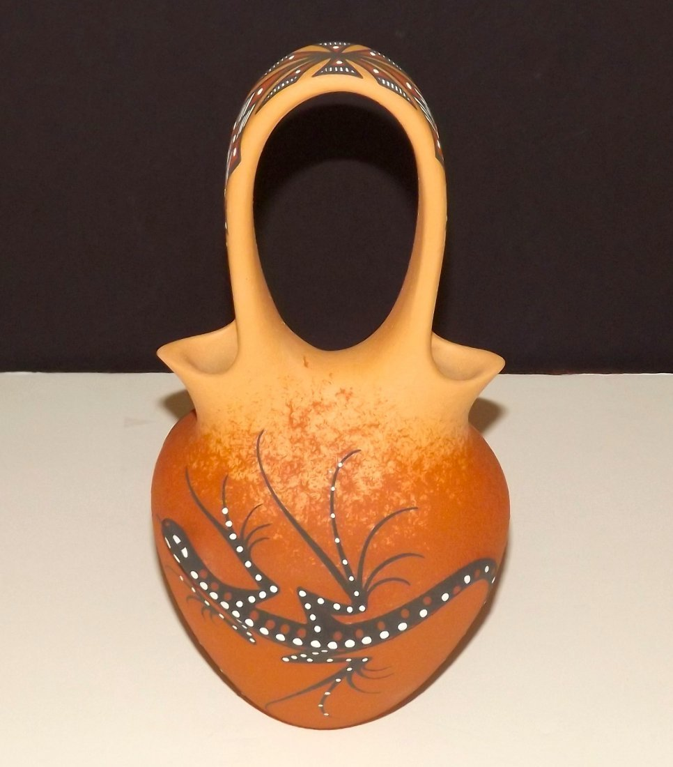 Zuni 3D Lizard Pottery Wedding Vase. Collector Piece