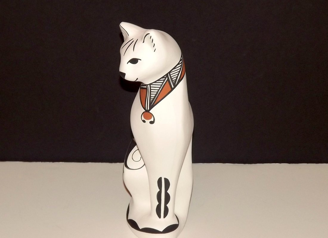 NATIVE AMERICAN ACOMA POTTERY CAT FIGURINE - 2
