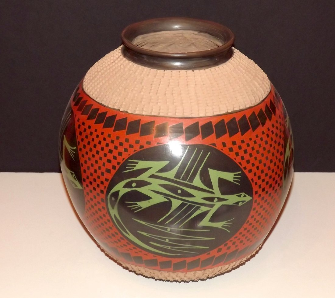 MATA ORTIZ Large Lizard Pot/Olla