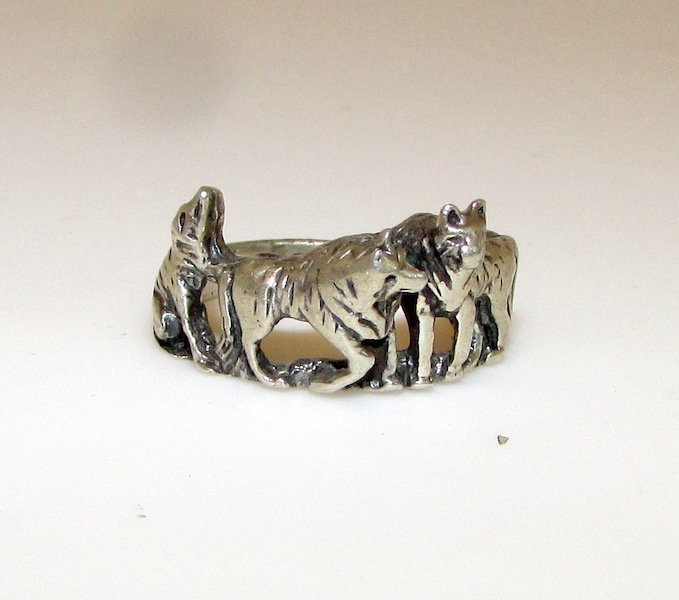 Old Pawn Native American Wolf Pack Ring