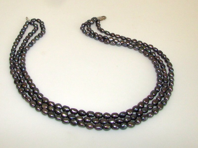 Triple Strand Black Pearl 925 Clasp Necklace