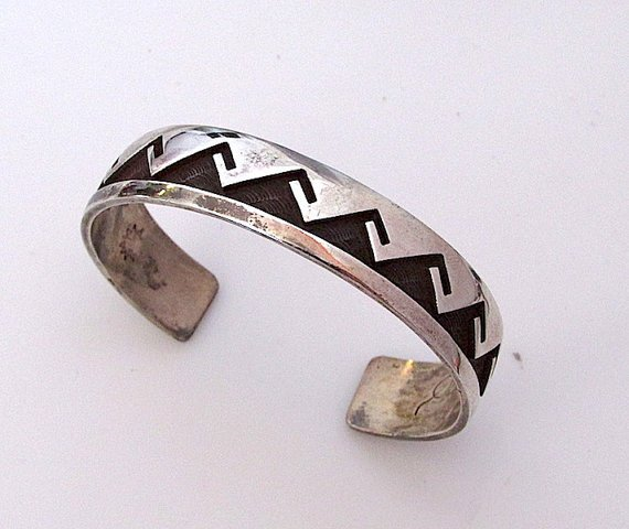 Vintage Native American HOPI Sterling Silver Cuff
