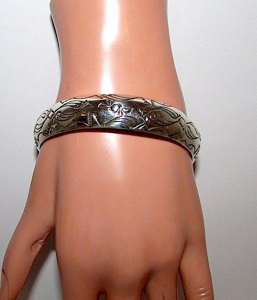 Navajo Nora TAHE Sterling Bangle Bracelet - 3