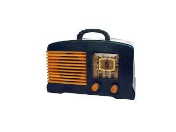 574: Fada Model L-56 Radio.
