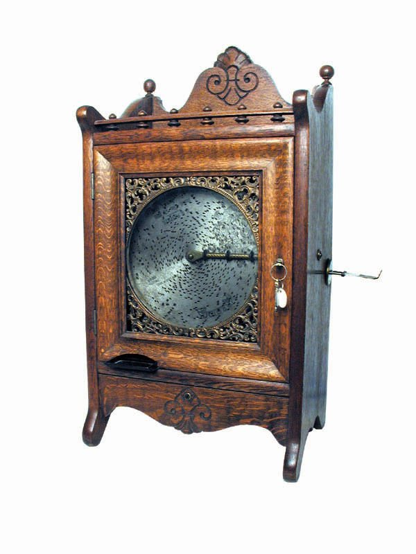 1100: One-Cent Regina Disc Music Box Machine With With