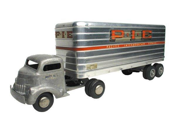 11: Smith Miller PIE Truck.