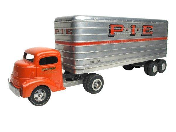 12: Smith Miller PIE Truck.