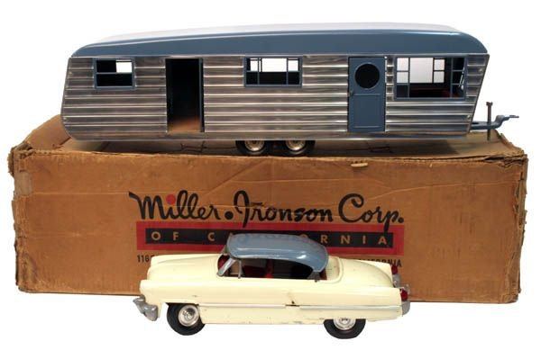 618A: Smith Miller Lincoln Zephyr Car With House Traile