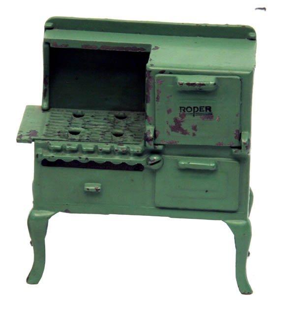 1315: Arcade Small Roper Stove.