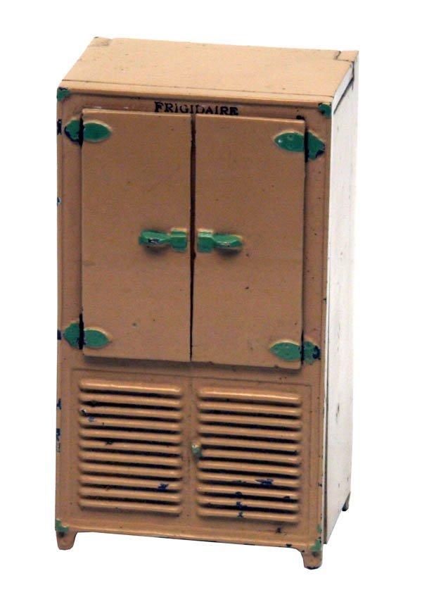 1322: Arcade Frigidaire Refrigerator.