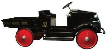 72: Bull Dog Steelcraft Mack Five-Ton Pedal Car.